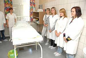 Felújítás a Szülészet-Nőgyógyászati Osztályon. A Születés Hete Fesztivál  programjai között szerepelt szülőszoba látogatás a Dr. Bugyi István  Kórházban ... 8e73d653a0