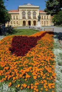 Megyeháza Konferencia és Kulturális Központ a Kossuth téren